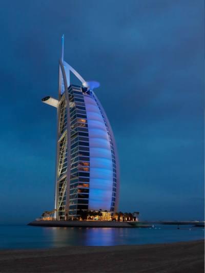 10 Bucket List Hotels and Resorts Around the World - La ...