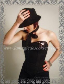 corset-basique-noir