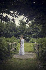 robe-de-mariee-volants-dentelle