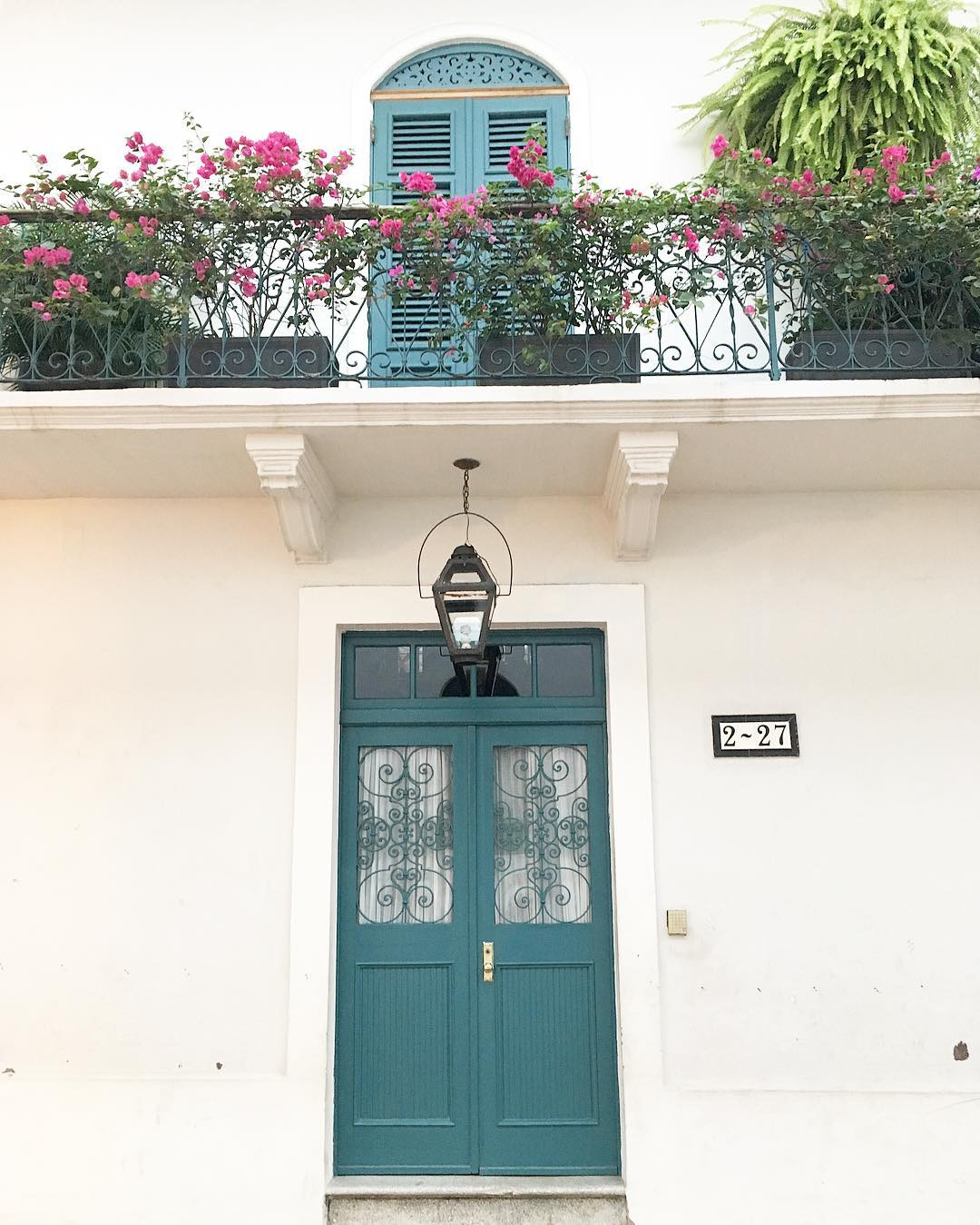 Casco Viejo knows how to dress up a doorbalcony! Lovinghellip