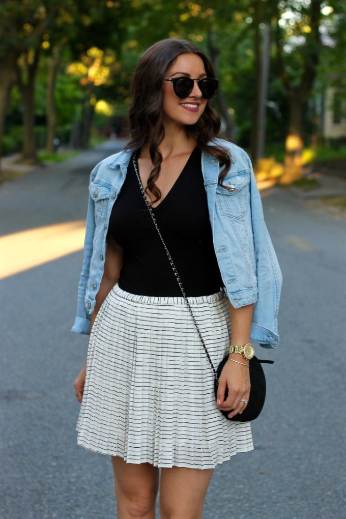La Mariposa Blog, Banana Republic Pleated Black & White Skirt, Pleated White Summer Skirt