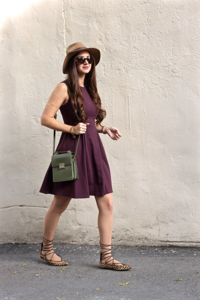 La Mariposa Blog: Fall Outfit Inspiration, Tan Fedora Hat, Leopard Lace-up Flats, Olive Green Bag, Kylie Posie Lipkit