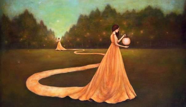 mujer encontrándose a sí misma en un jardín