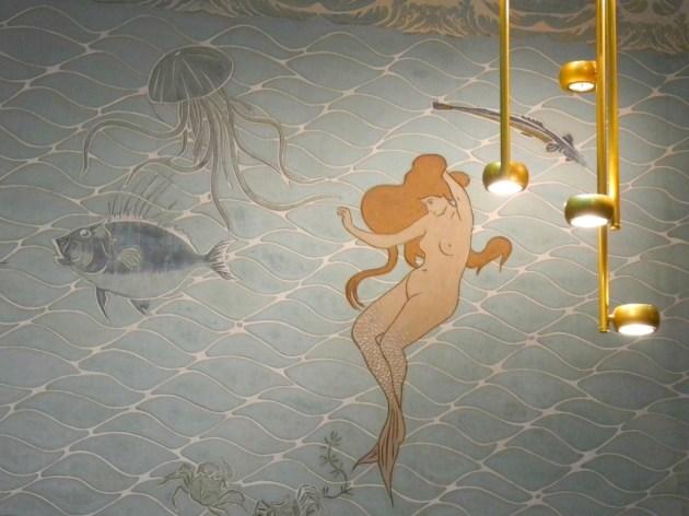 Detalle de las luces simulando burbujas de agua.