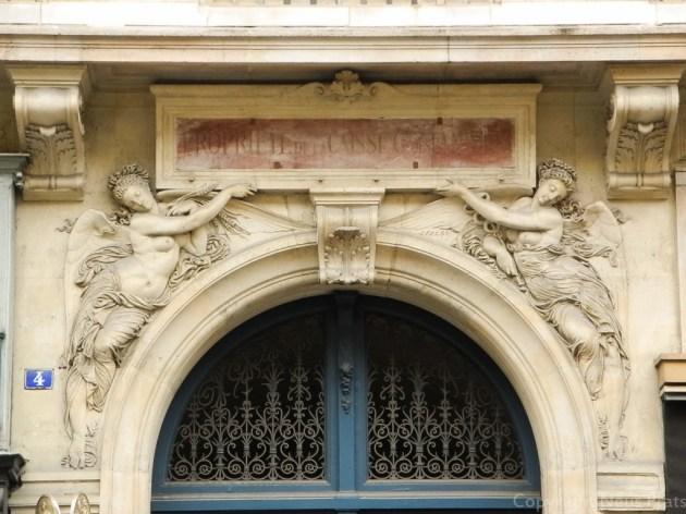 Detalle en un portal de la Rue de la Paix.