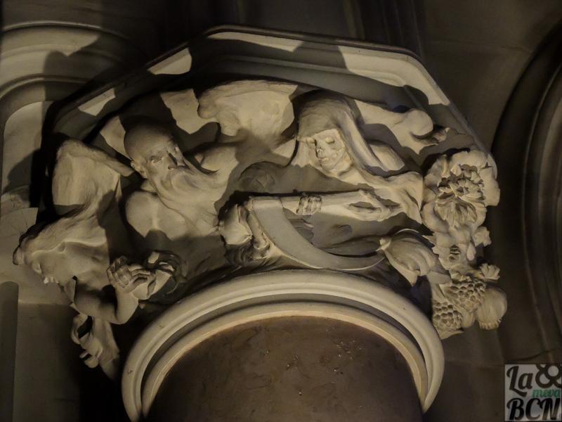 Detalle del interior del panteón de la familia Gener.