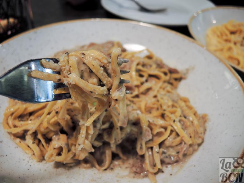 La pasta es artesanal, como el resto de comida del restaurante.