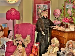 Land of Oz Dolls Doll Display Room