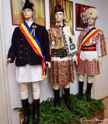 Costumele Junilor (1)