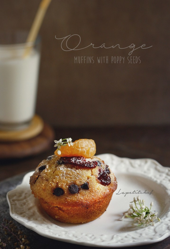 Orange yogurt muffins with chocolate and poppy seeds are the perfect grab and go breakfast/ dessert. Made with whole wheat flour and yogurt, these muffins are light and moist and have the winning combination of orange and chocolate. Ready in 20 minutes!