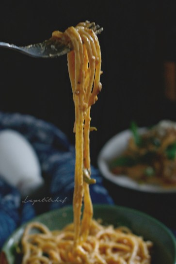 pasta alla vodka is an easy and quick one pot pasta dish where the sauce is the hero. Classic tomato cream sauce gets even more posh and incredible with the addition of vodka. An indulgence one must give in to!