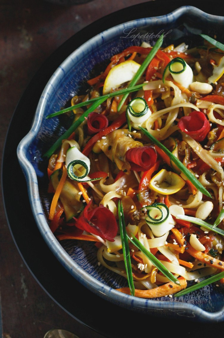 15 min pad thai with shaved zucchini