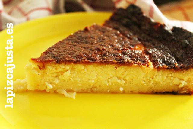 porción de la tarta de queso al horno