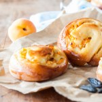 Escargots briochés Abricots-Fève de Tonka