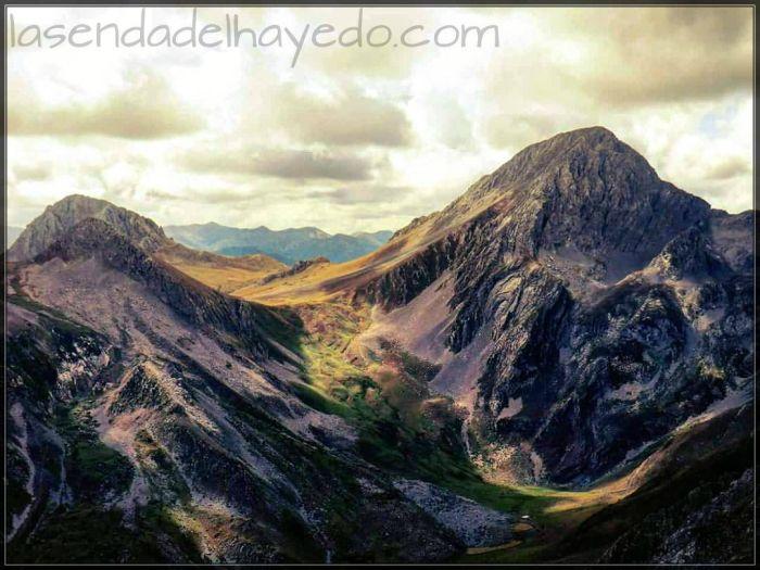 Las Ubiñas (la grande y la pequeña) desde la cima del Tapinón