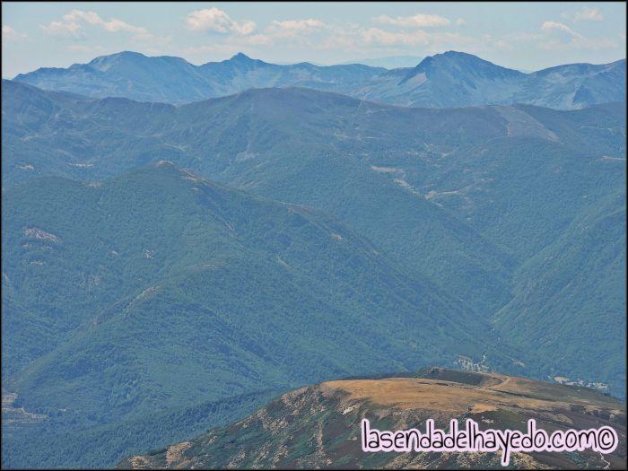 Catoute y Valdiglesia detrás de los montes de Rabanal y Matalavilla