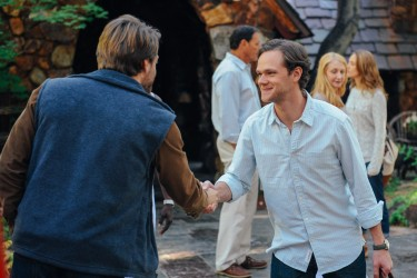 Sean Oakes (Fran Kranz) and Roger Green (Joseph Cross) saying goodbye in LAST WEEKEND.