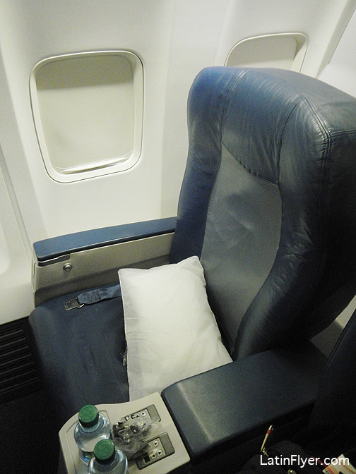 Business Class Seat On The Delta Air Lines Boeing 737 800