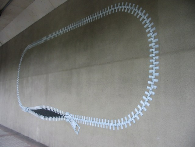 Zipper installations by Jun Kitagawa