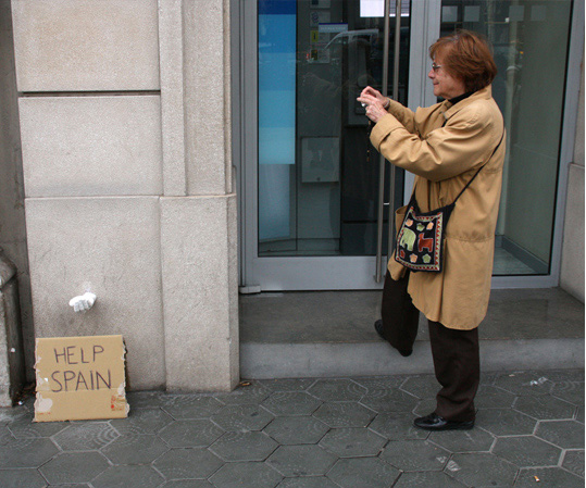 Hand Sculptures Highlight Effects of Eurozone Crisis
