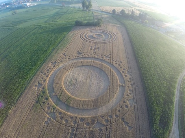 Geometric Crop Circles in Italy