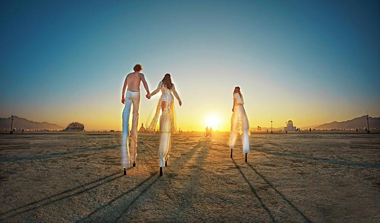 Surreal Photos of the 2014 Burning Man Festival by Ari Fararooy