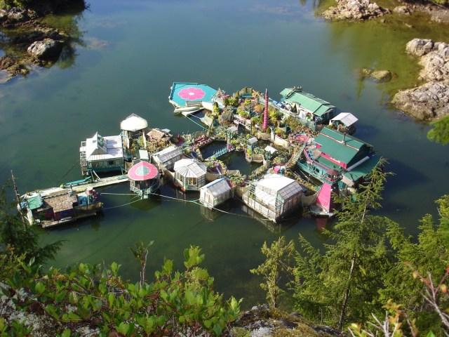Super House Boat in Canada