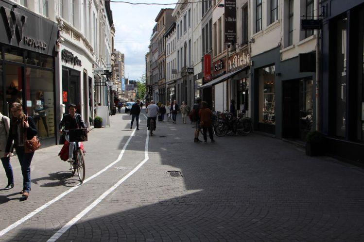 Text Walking Lane 4