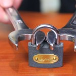 How To Quickly Force Open a Padlock Using a Pair of Nut Wrenches