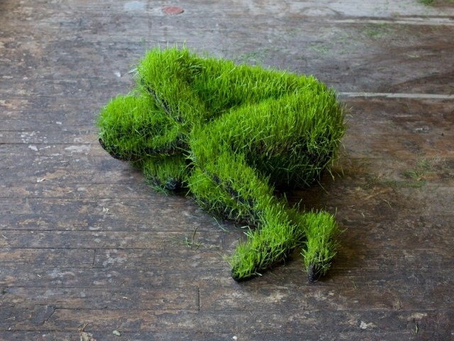 Lives of Grass, sculptures of humans made out of live grass