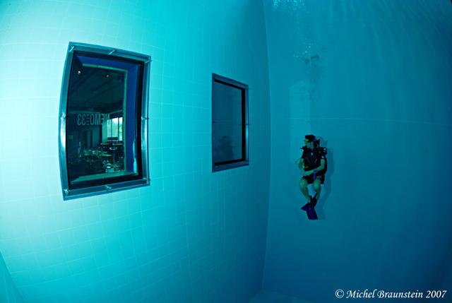 Nemo 33 Photo by Michel Braunstein