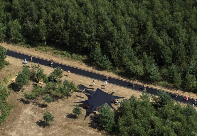 Fast Track trampoline walkway