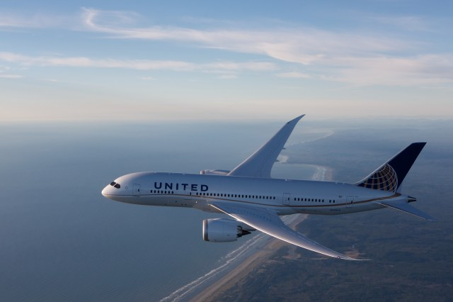 United Airlines Launches Satellite In-Flight Wi-Fi