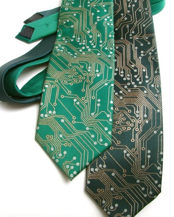 circuit-board-tie