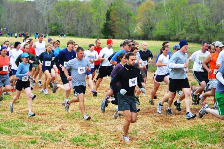 Runners at start of 2012 Loop. Photo by Tom Casper.