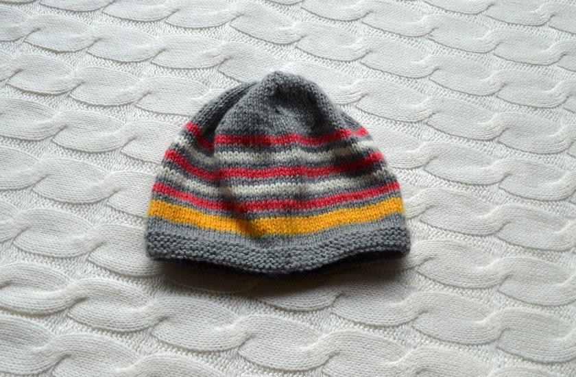 modele bonnet tricot taille 2 ans