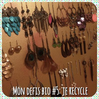 DIY pour recycler une toile et la transformer en porte bijoux