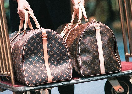 Checklist to Authenticate a Pre-Owned Louis Vuitton