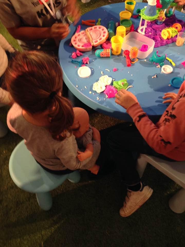 Atelier pâte à modeler Play Doh - YOU TUBE KIDS
