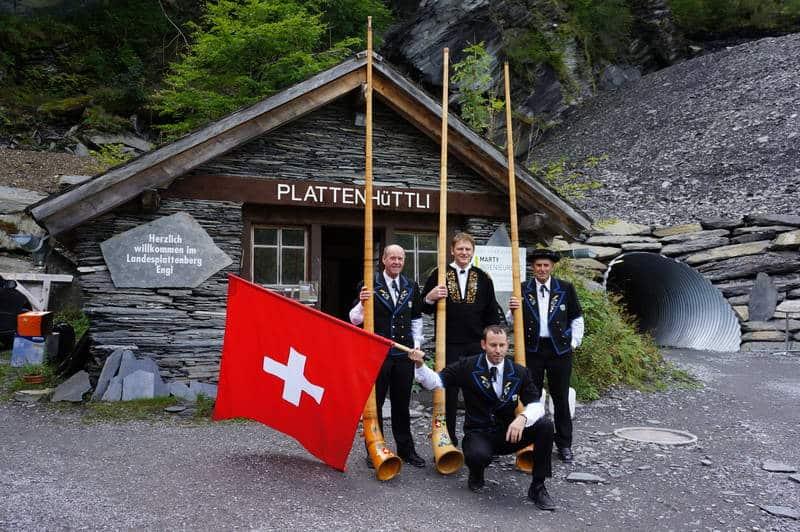 plattenhutli w mine entrance