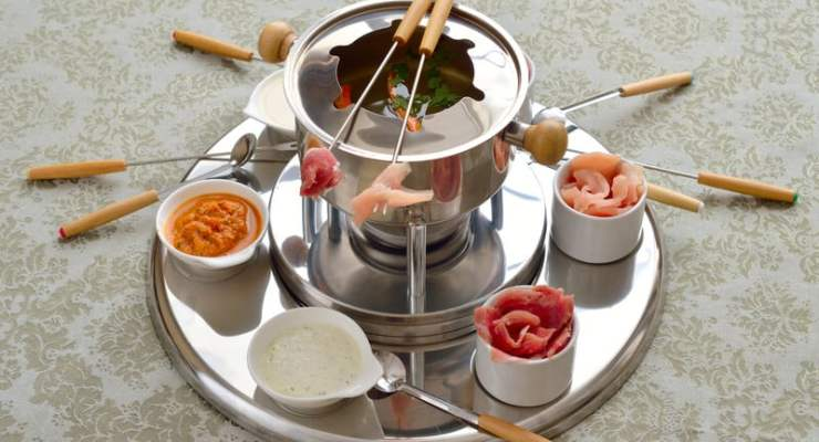 Why was China's president not served Chinese fondue rather than a cheese one?