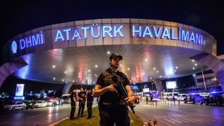 istanbul-apres-une-triple-attaque-suicide-dans-la-nuit-du-28-au-29-juin-2016_5624967