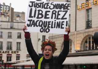 2048x1536-fit_grace-partielle-accordee-dimanche-francois-hollande-jacqueline-sauvage-condamnee-dix-ans-prison-meurtre-mari-violent-suscite-nombreuses-reactions-poli