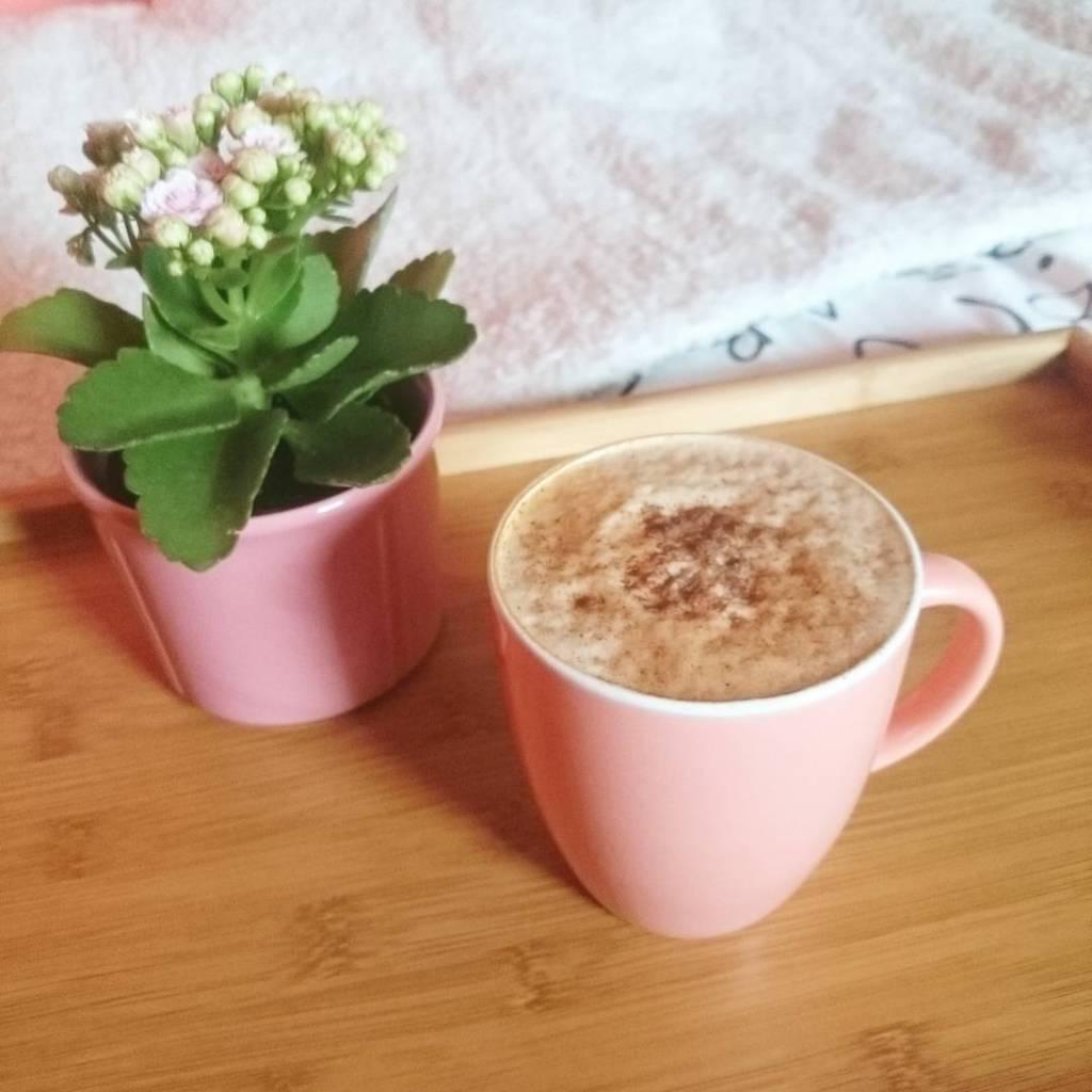 Uwielbiam dni wolne  coffeetime coffee cafelatte coffeeholic kalanchoe coffeeinbedhellip