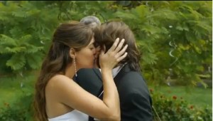 Ivy y Nico beso boda