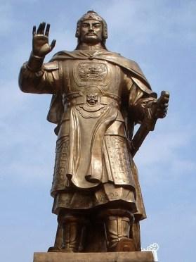 statue de l'empereur Quang Trung