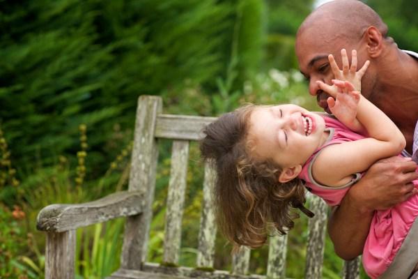 seance-photo-famille-dans-la-ville-de-pau-11
