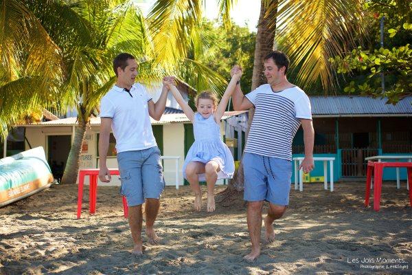 Seance grande famille sur la plage de Grande Anse 12