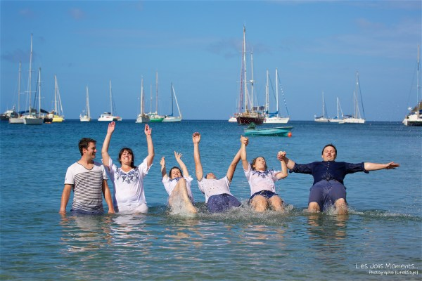 Seance grande famille sur la plage de Grande Anse 35