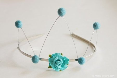 DIY Tutorial Wire and Felt Crown